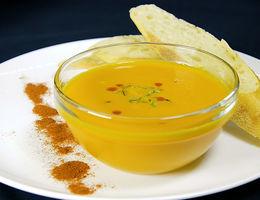 Sopa cremosa de zanahoria
